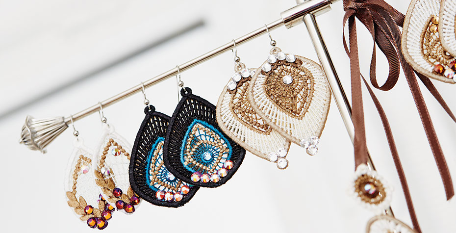 Topaz_Shine-earrings-hanging-main.jpg
