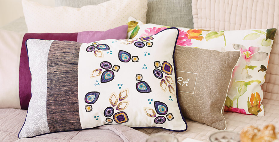 Topaz_Shine-pillows-main.jpg